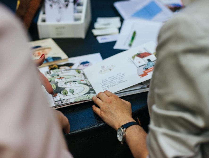 укцион работ чешской художницы Ольги Якубовской в поддержку фонда «Дети Детям»